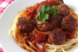 Spicy Tomato & Red Wine Meatballs with Spaghetti