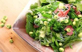 Smoked beef, wasabi pea and healthy greens salad