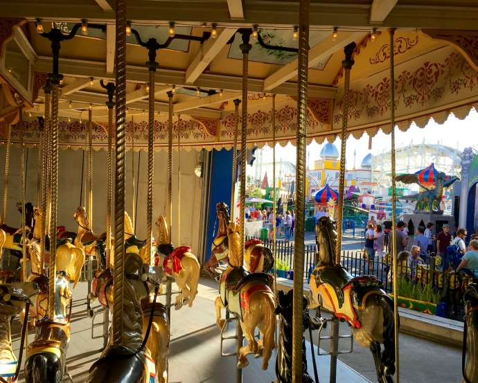 luna park merry go round horse