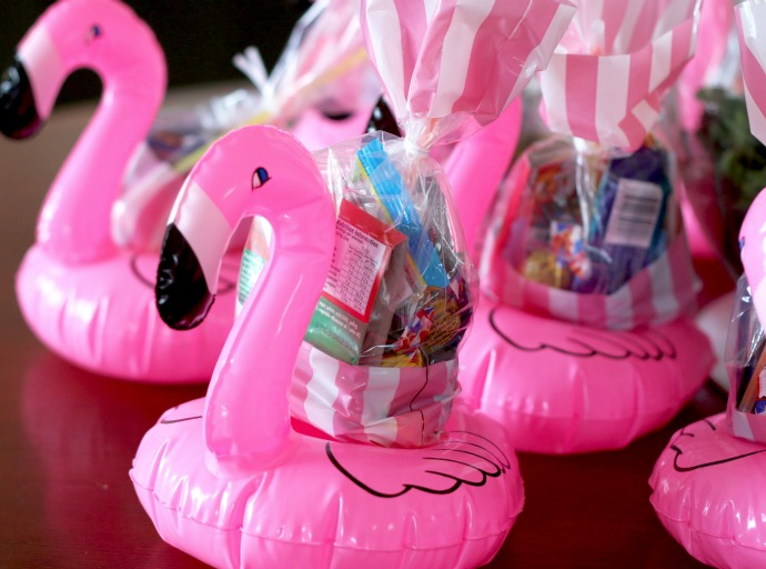 mini inflatable floating flamingos