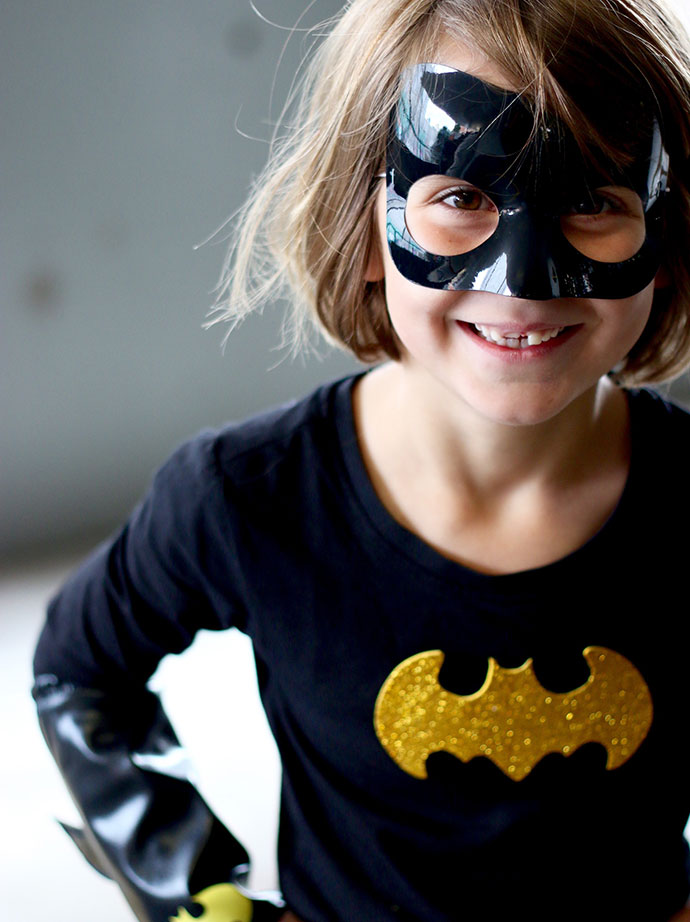 why girls need female super heroes and super villains as role models