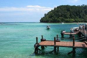 A Day of Island Hopping in Sabah, Malaysia