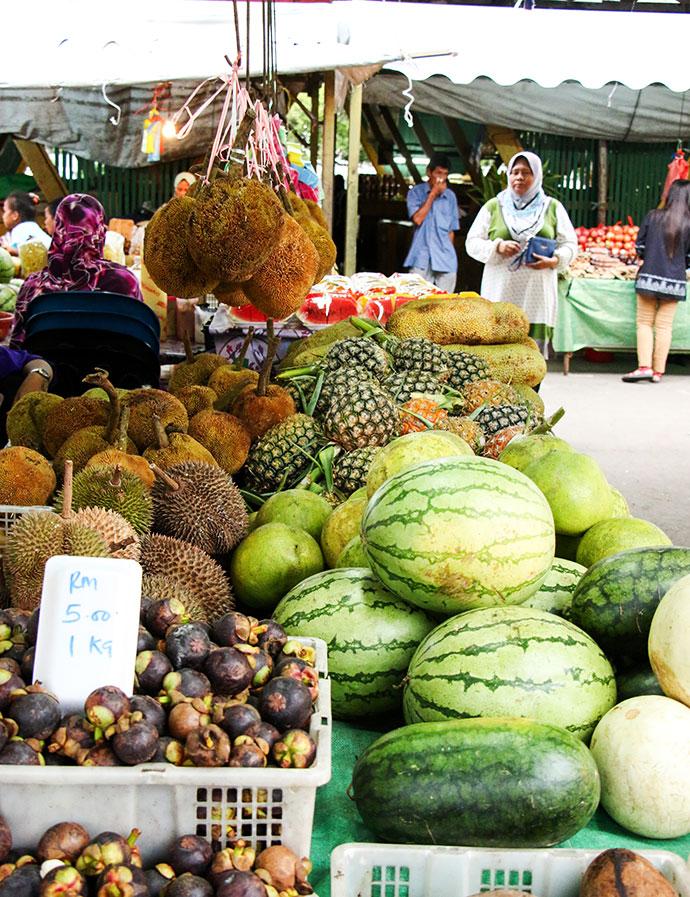 Handicraft market KK fruit stall