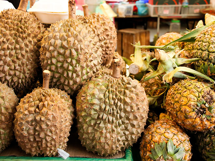 How to eat durian - what does durian taste like