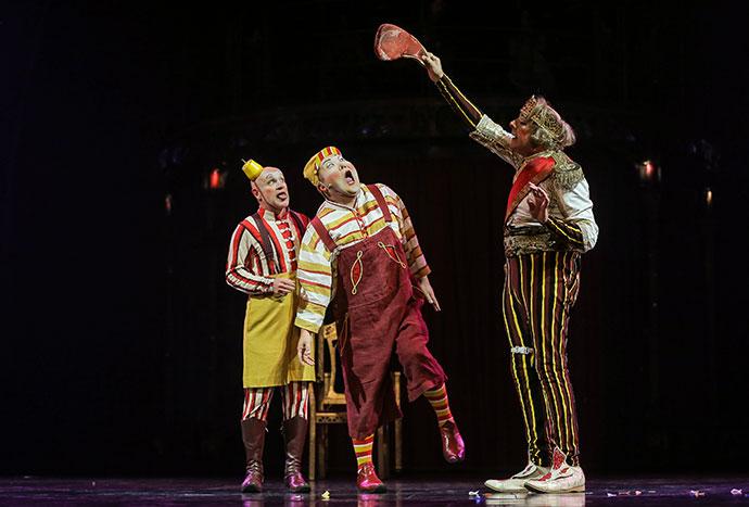 Photos:Carlos Müller Costumes Marie-Chantale Vaillancourt © 2016 Cirque du Solei