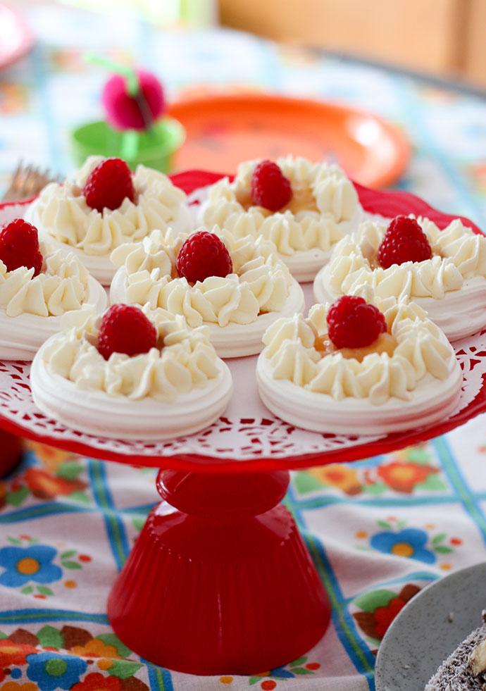 Mini raspberry and lemon curd meringues
