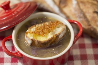 Traditional french onion soup recipe