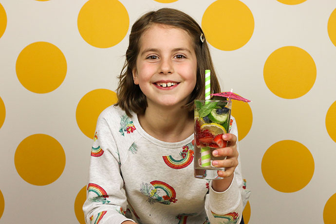 Healthy fruit Sprizer drink for kids - sugar free refreshment - mypoppet.com.au