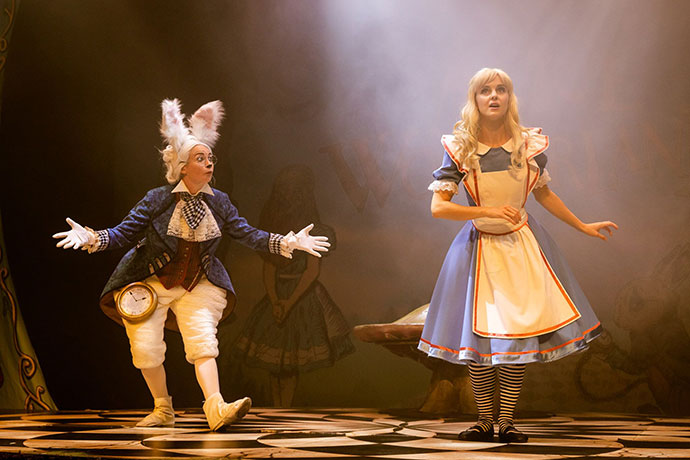 Alice in Wonderland Live on stage Melbourne Review mypoppet.com.au