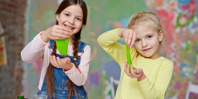 School holiday slime making CIty library