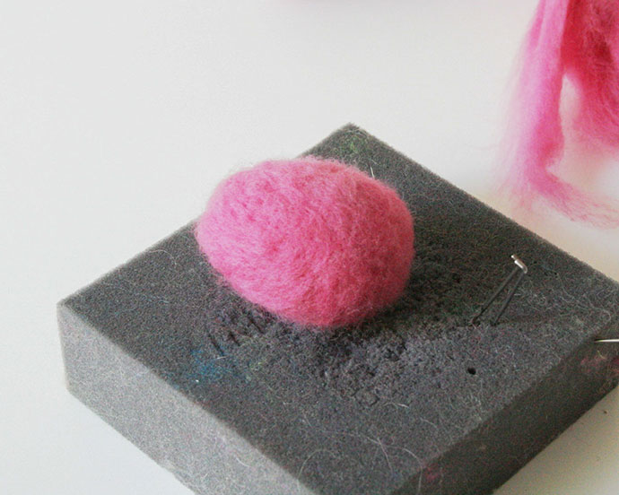 Easter Craft - Needle felted Easter Eggs - mypoppet.com.au