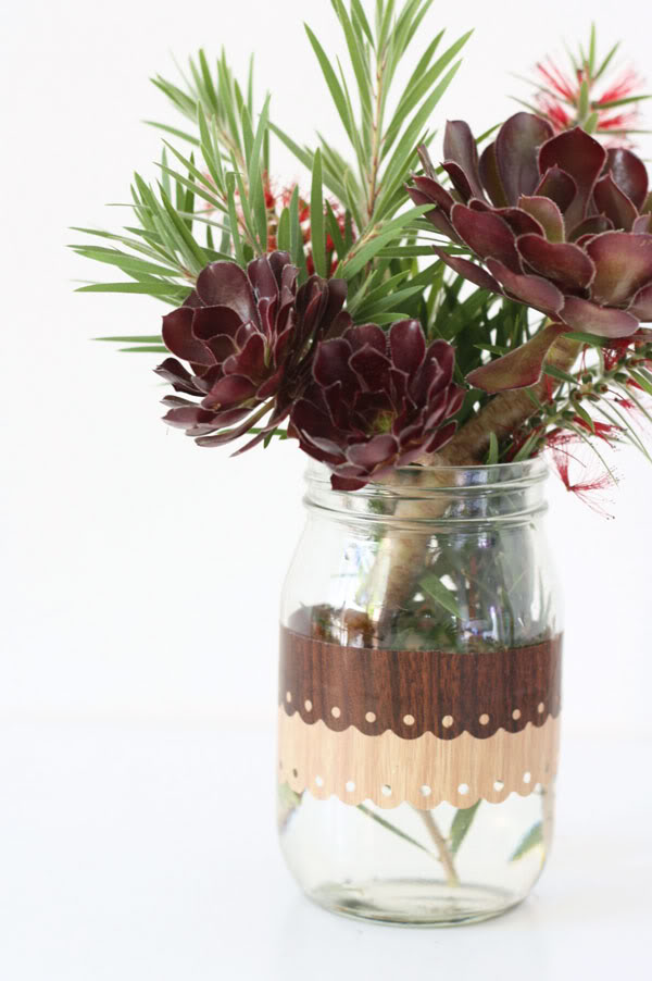 Jar Craft - Easy decorative woodgrain finish to an old jar