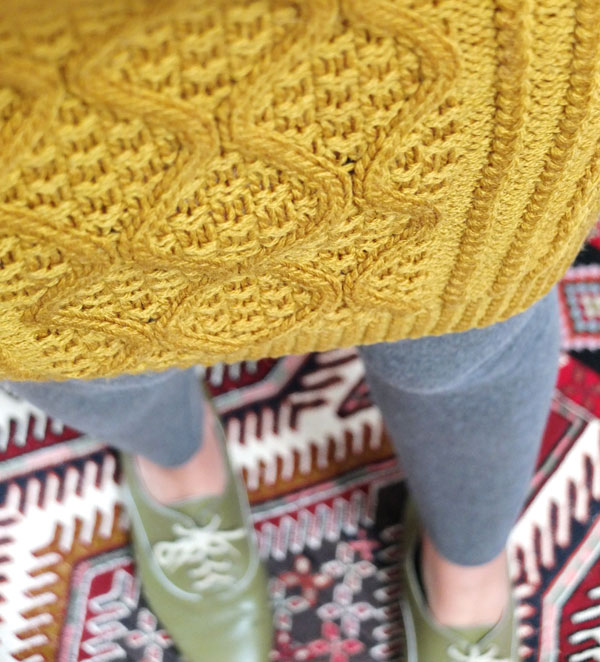 cable knit skirt closeup