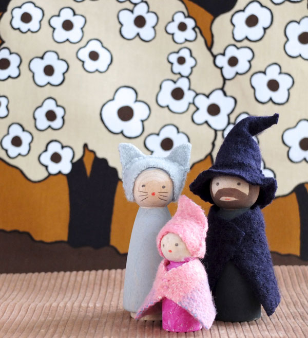 Making peg dolls witch cat ghost