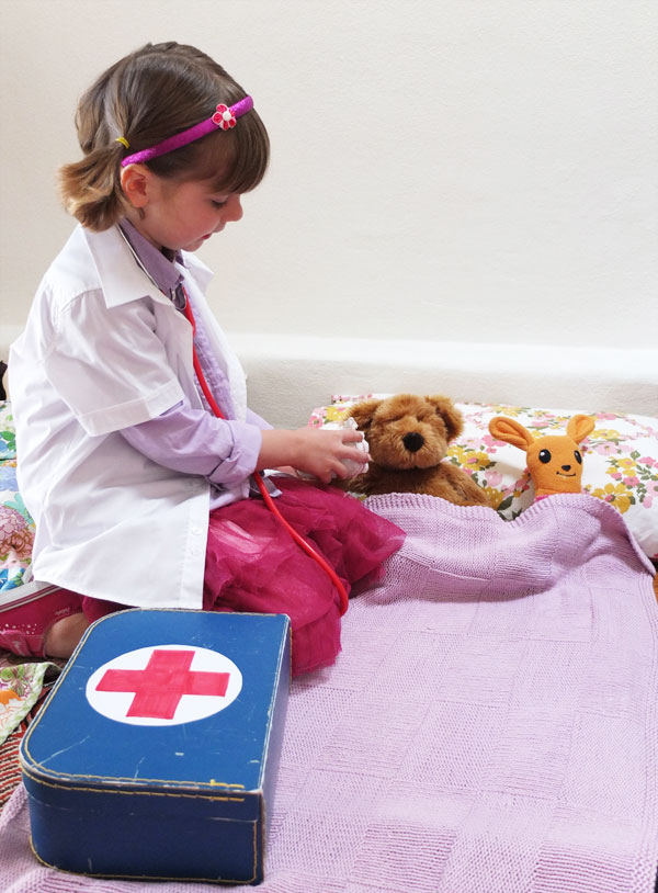 Doc McStuffins doctor pretend play