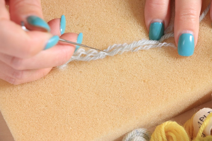 Joining yarn ends by needle fleting
