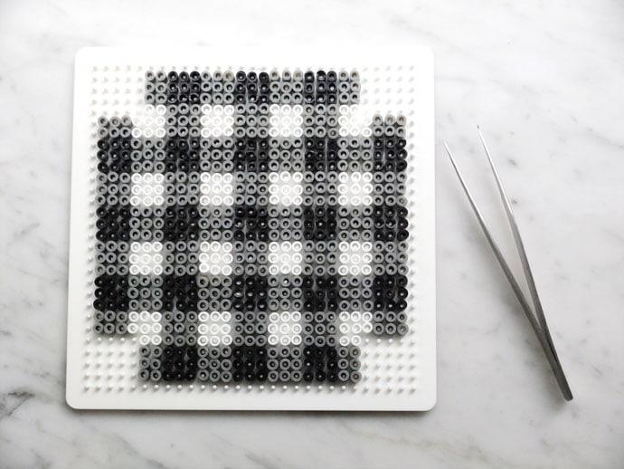 Gingham pearlet bead pattern
