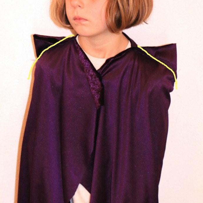 Making cosplay cloak step 1