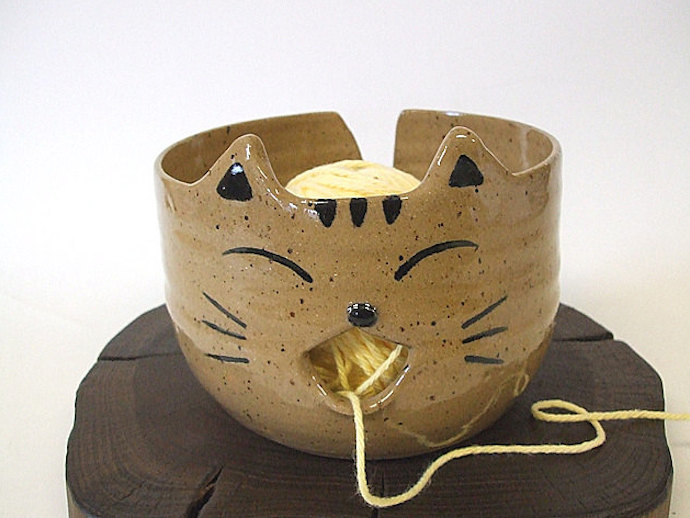 Large Super Cute Tabby Cat Yarn Bowl by misunrie