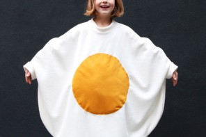 How to make an egg costume for Halloween