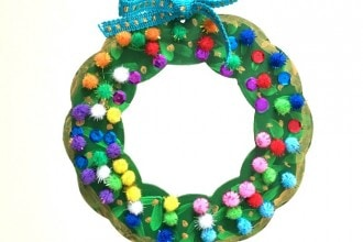 DIY CHRISTMAS WREATH KIDS CRAFT