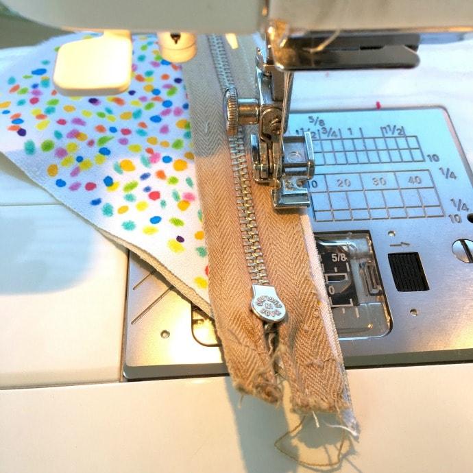 How to make a Fairy Bread Coin Purse DIY mypoppet.com.au - attach zip