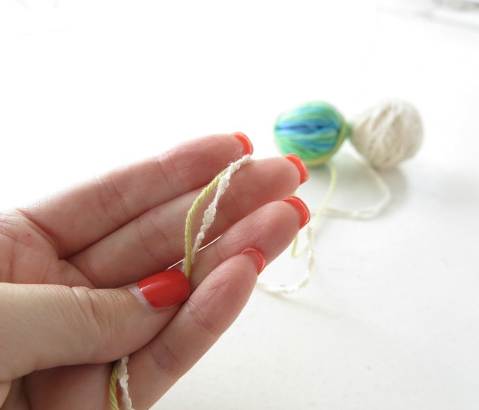 double up 2 thinner yarns to make a thick yarn