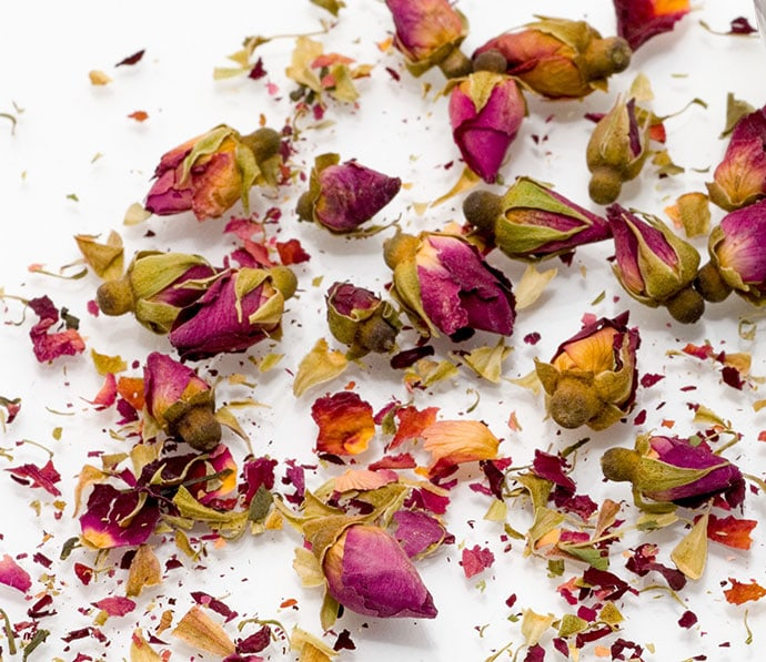 dried rose buds