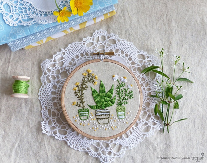 embroidery hoop craft kit - christmas gift guide
