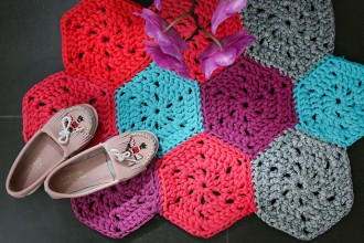 How to crochet - T-shirt yarn hexagon rug pattern