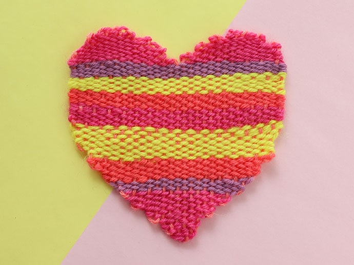 How to weave a heart shape tapestry with a DIY loom - mypoppet.com.au
