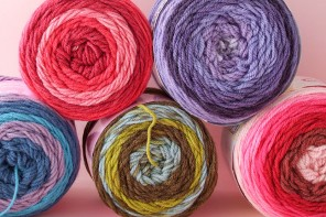 Let's Try: Self Striping Yarn Cakes + 2 BONUS Crochet Patterns