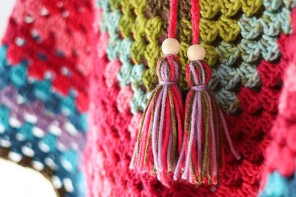 Quick Craft: 2 Minute Yarn Tassel