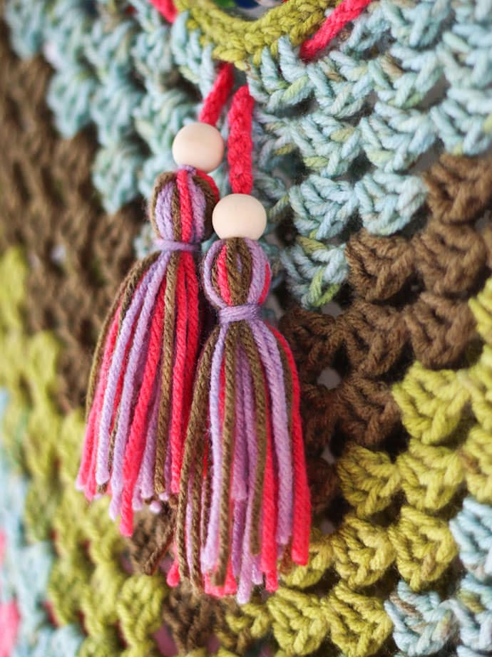 How to make tassels from yarn scraps - mypoppet.com.au