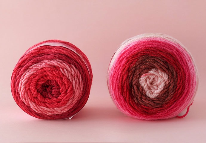 Sweet roll yarn vs Caron Cakes yarn - review