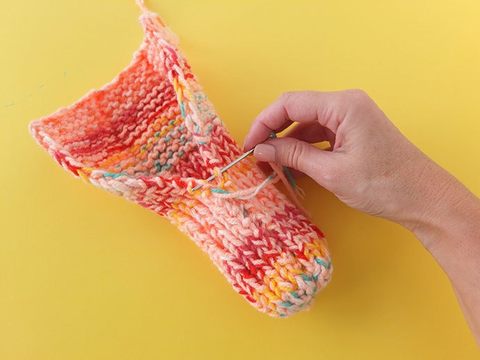 how to make knitted slippers