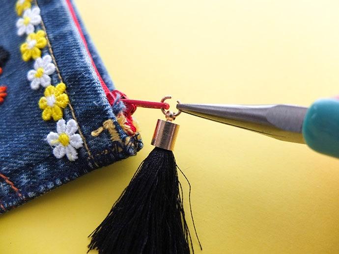 add a jump ring tassel to a zip