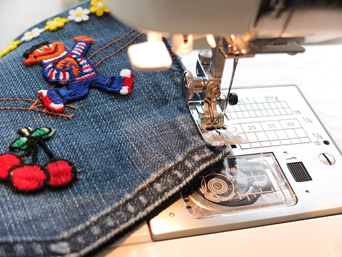 How to sew a zippered poch from old jean pockets - mypoppet.com.aut