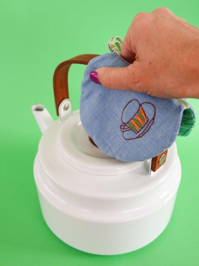 Embroidered pot holder -mypoppet.com.au