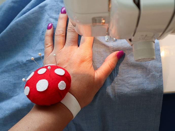 Make a wristband pincushion mypoppet.com.au