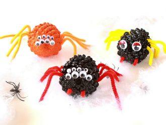 Kids Halloween craft Activity - Pinecone spiders mypoppet.com.au