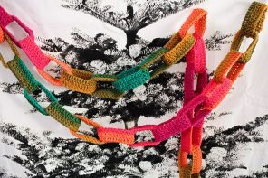 Crochet Paper Chain Christmas Garland
