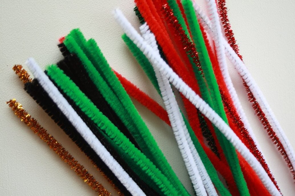 Festive craft pipe cleaners