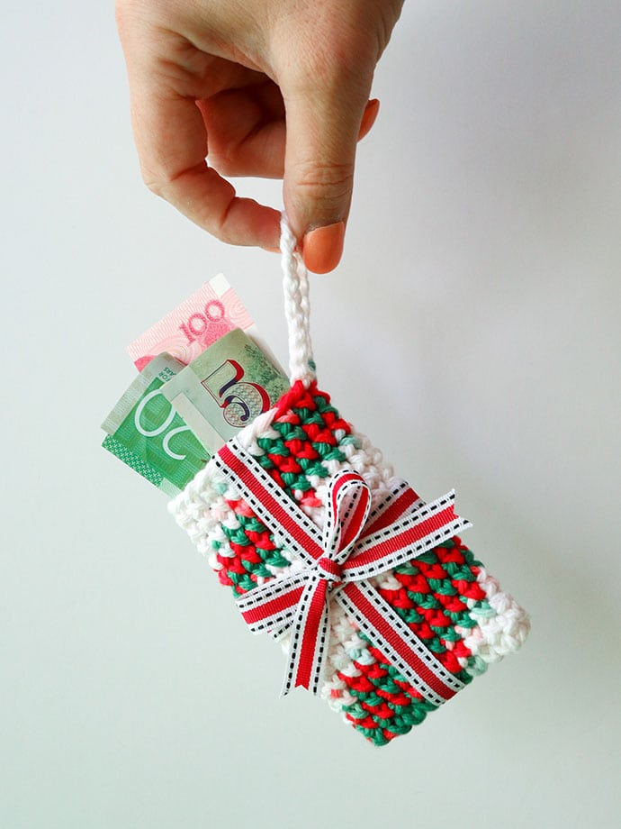 crochet pattern - gift card holder christmas ornament mypoppet.com.au