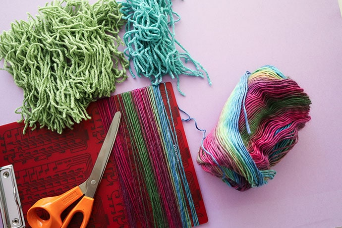 How to make latch hook with regular yarn - mypoppet.com.au