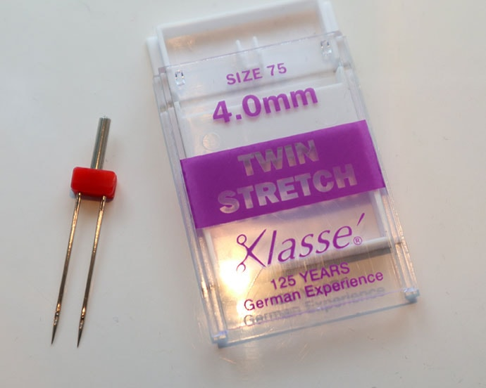 Twin stretch sewing machine needle
