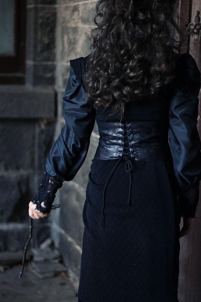 How to make a bellatrix lestrange corset - mypoppet.com.au