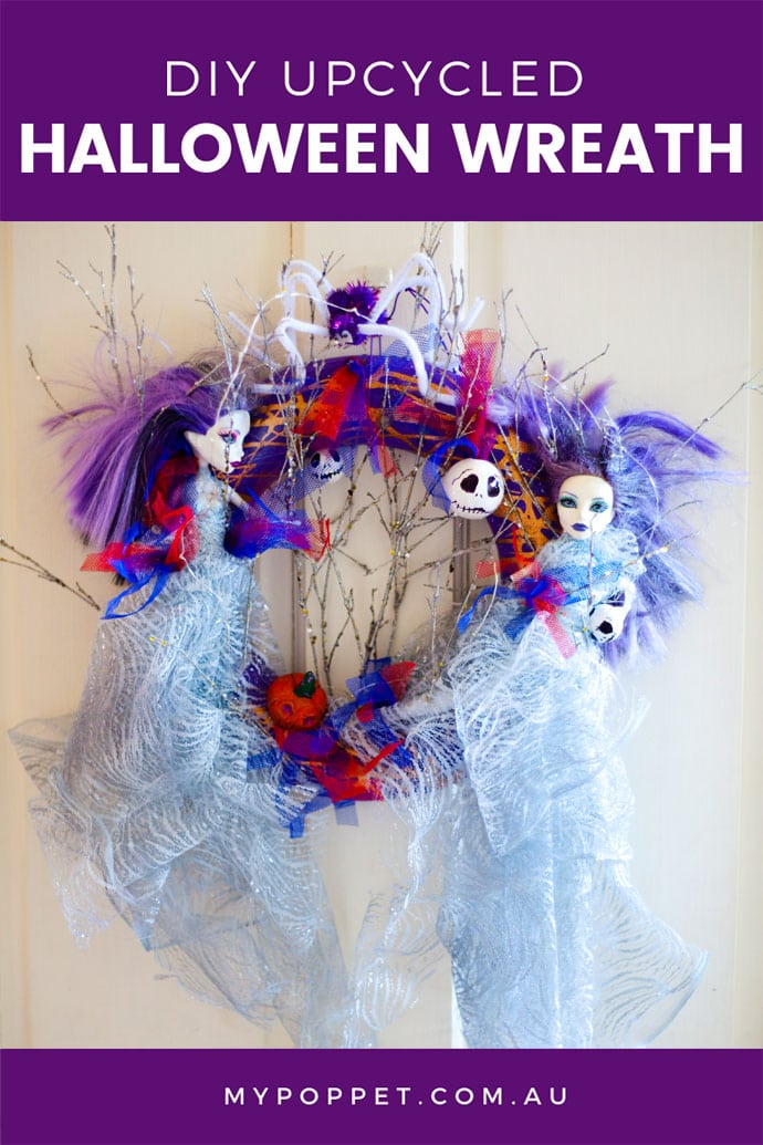 Halloween craft - Spooky door wreath
