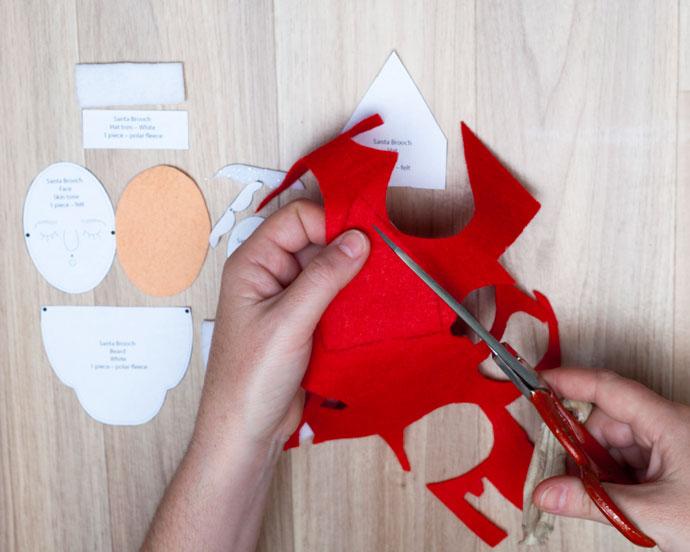 How to make a Santa face brooch
