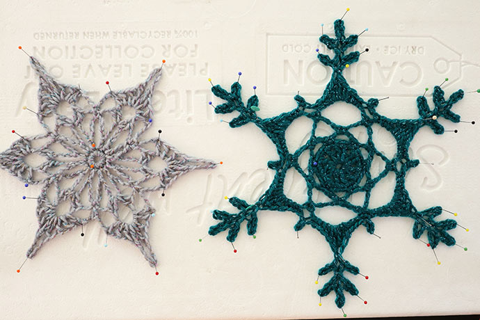 Crochet snowflake stiffening method